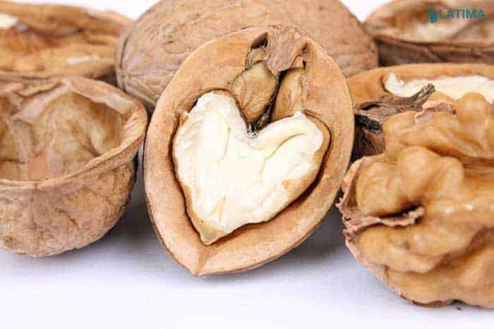 walnuts-heart
